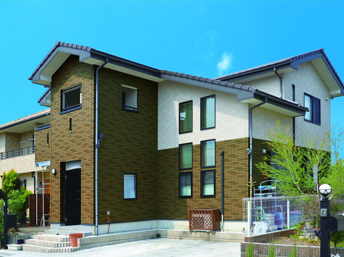 покажется, фото домов с отделкой вентилируемого фасада камнем вода, дереья